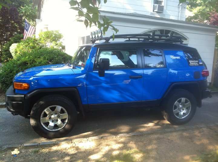 Black roof voodoo blue  Toyota FJ Cruiser Forum