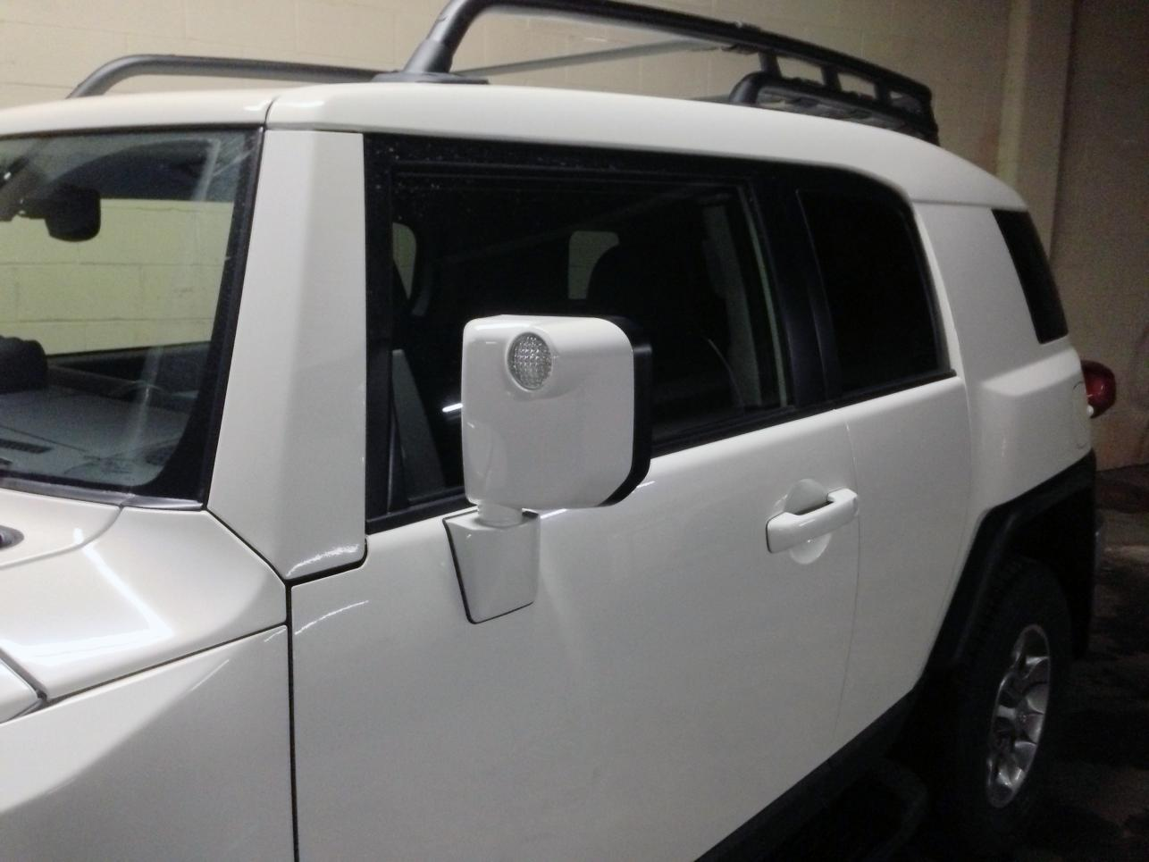 White Out Mirrors And Door Handles On A 2013 Iceberg