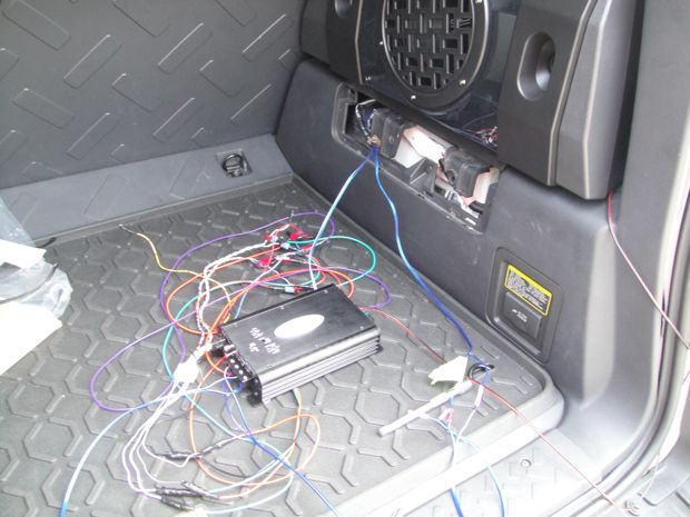 36154d1277467296 diy oem subwoofer mod dsc00966 diy oem subwoofer mod page 9 toyota fj cruiser forum fj cruiser stereo wiring harness at bayanpartner.co