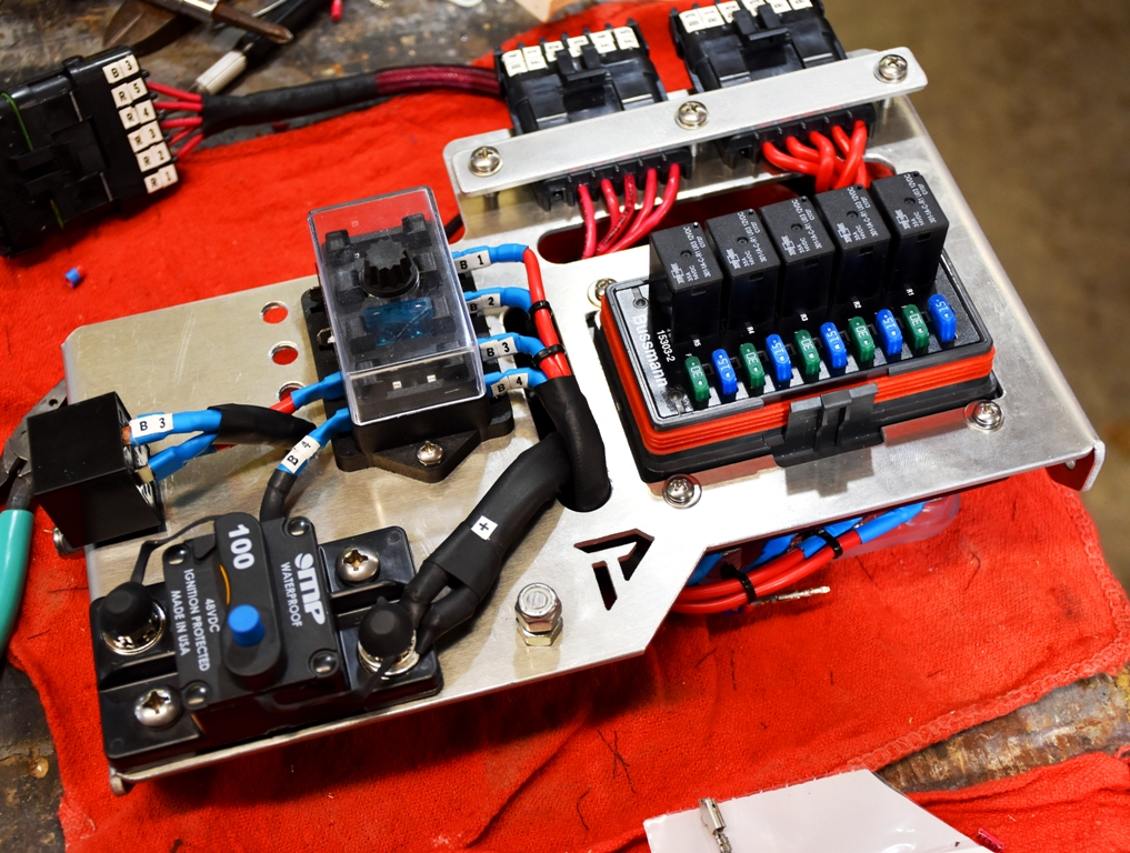 Custom Fuse Relay Box : Custom relay fuse panel toyota fj cruiser forum