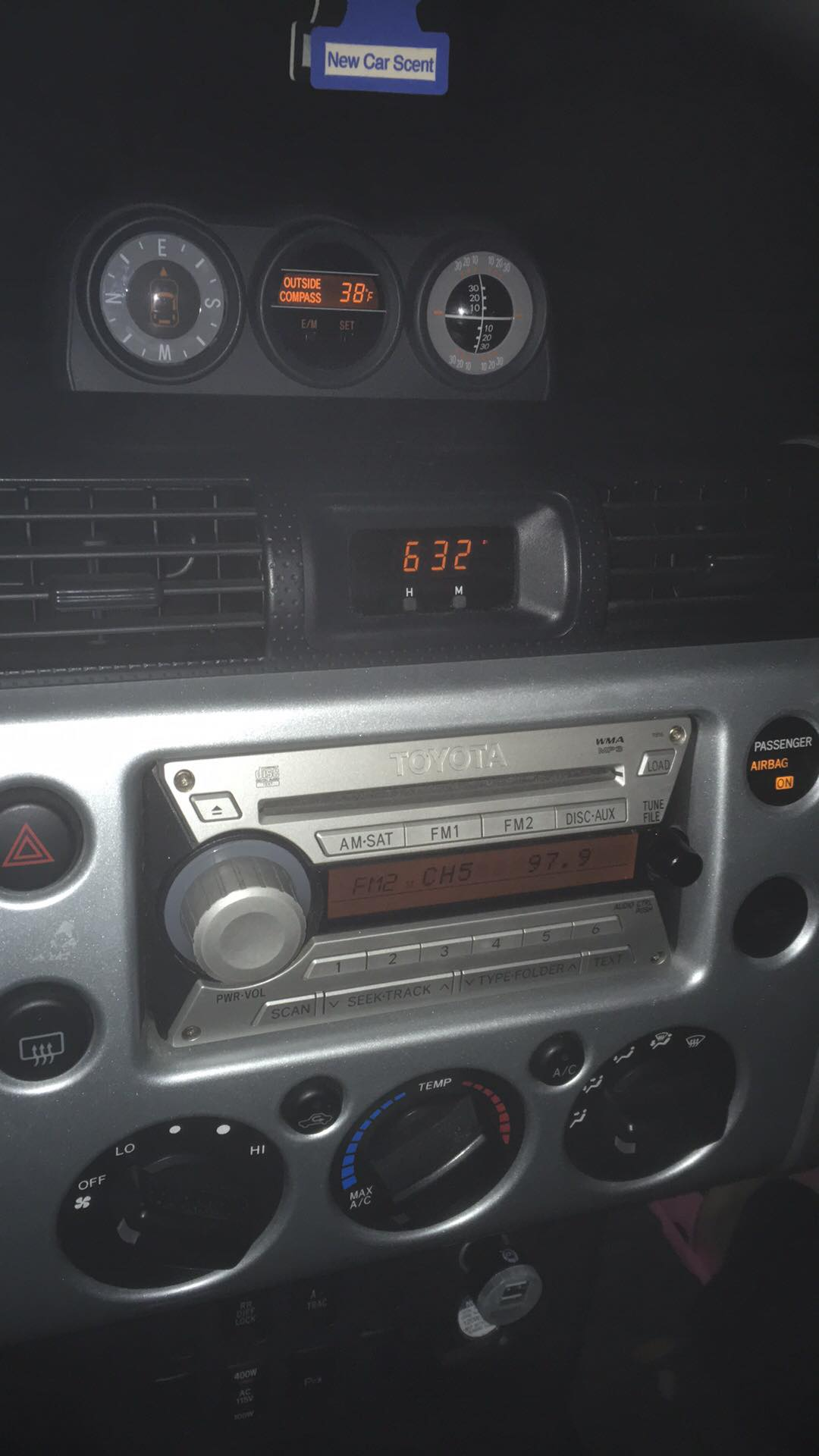 lights truck volvo blue euro dashboard x interior