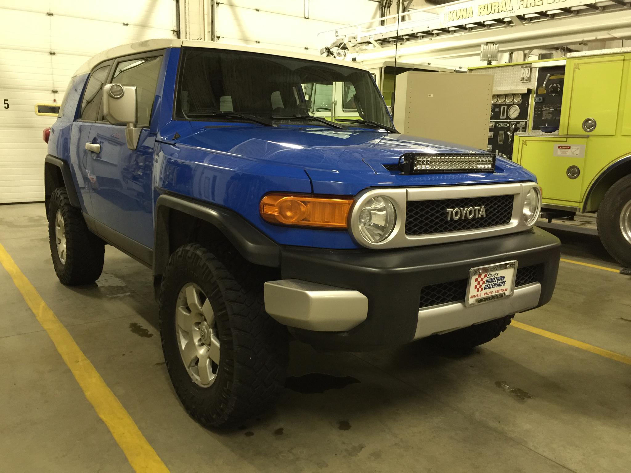 Light bar on hood installed toyota fj cruiser forum click image for larger version name imageg views 521 size 2979 aloadofball Choice Image