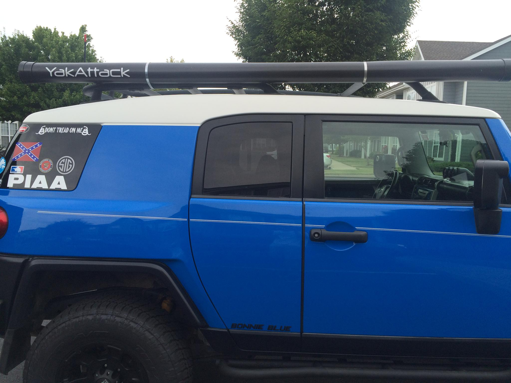 Pvc roof rack rod holder cosmecol for Fishing rod roof rack