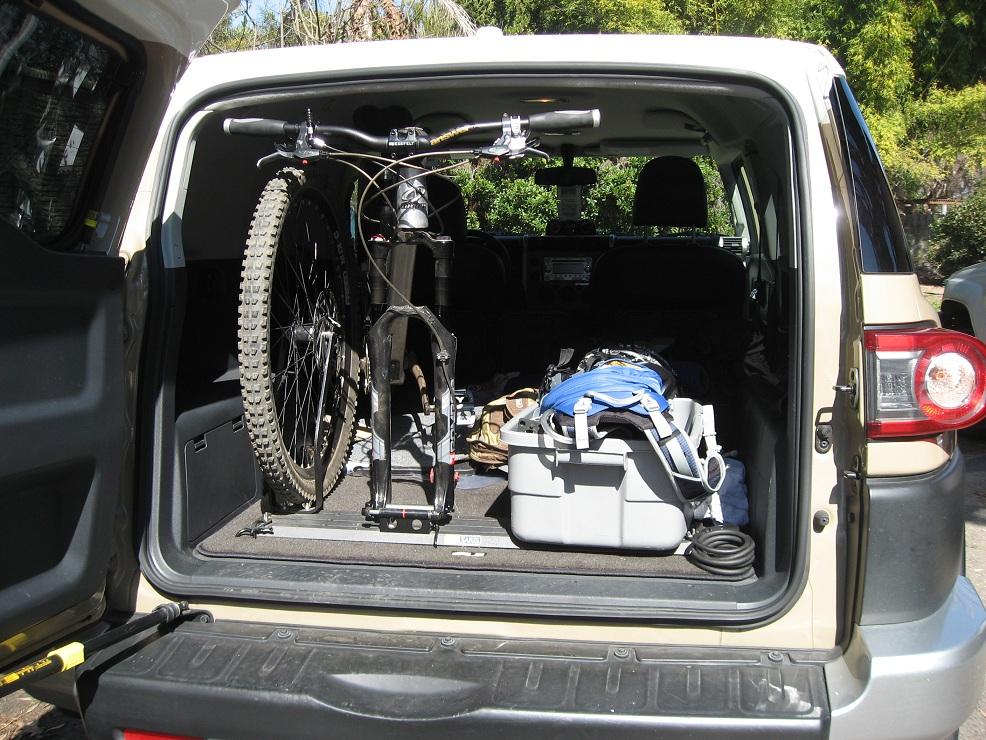 Saris SUV Bike Rack for FJ Cruiser Toyota FJ Cruiser Forum